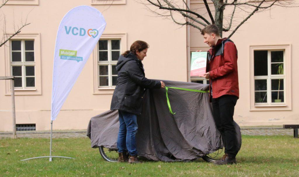 VCD Brandenburg, NAJU Brandenburg und FÖN weihen ihr neues XYZ-Lastenrad ein